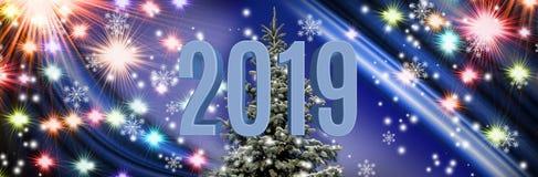 Immagine di un albero di Natale sul fondo variopinto delle luci immagini stock libere da diritti