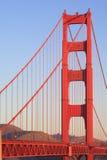 Immagine di una torre di golden gate bridge Fotografie Stock Libere da Diritti