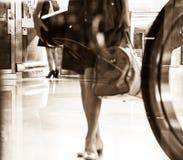 Immagine di viaggio alla stazione ferroviaria immagine stock libera da diritti