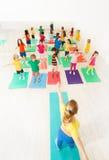 Immagine di vista superiore della lezione di ginnastica per i bambini Immagine Stock