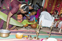 Immagine documentaria: L'India Puja prima della nascita Fotografia Stock