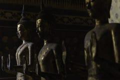 Immagine dorata del buddha immagine stock