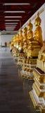 Immagine dorata della statua di Buddha Fotografia Stock
