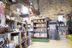 Immagine editoriale indicativa Negozio delle specialità gastronomiche in Normandia, Francia Fotografia Stock