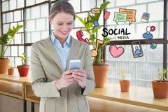 Immagine generata Digital della donna di affari sorridente che per mezzo del telefono con le varie icone Immagini Stock Libere da Diritti