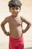 Immagine indicativa editoriale Bambino povero che sorride, India Immagini Stock Libere da Diritti