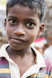Immagine indicativa editoriale Bambino povero che sorride, India Immagine Stock
