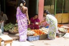 Immagine indicativa editoriale Negozio della frutta e delle verdure Fotografie Stock Libere da Diritti