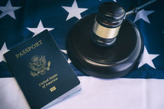 Immagine legale di concetto di legge del passaporto degli Stati Uniti immagine stock libera da diritti
