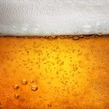 Immagine a macroistruzione vicina di vetro di birra Fotografia Stock Libera da Diritti