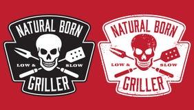 Immagine nata del barbecue della griglia con il cranio e gli utensili attraversati illustrazione vettoriale
