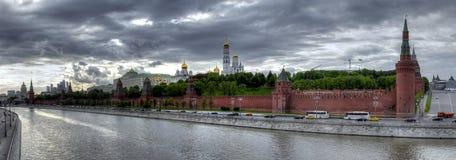 Immagine panoramica dell'argine di Cremlino Immagini Stock Libere da Diritti