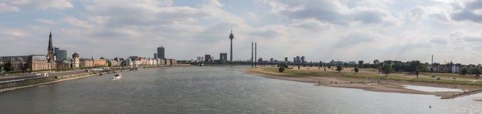 Immagine panoramica di alta risoluzione di Duesseldorf Germania Immagine Stock Libera da Diritti
