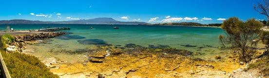 Immagine panoramica di bella spiaggia in Tasmania Immagine Stock Libera da Diritti
