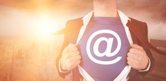 Immagine potata di stile del supereroe della camicia di apertura dell'uomo d'affari Fotografie Stock Libere da Diritti