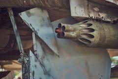 Immagine potata di vecchio combattente-intercettore di guerra in un museo all'aperto immagine stock