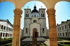 Immagine rurale della chiesa un giorno soleggiato di estate Immagine Stock Libera da Diritti