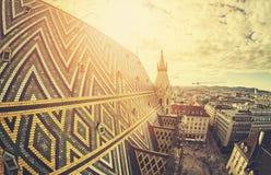 Immagine stilizzata retro del fish-eye di Vienna al tramonto Fotografie Stock
