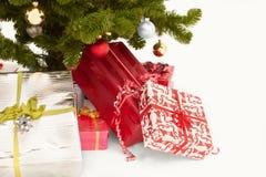 Immagine tagliata dei regali di Natale Fotografia Stock Libera da Diritti