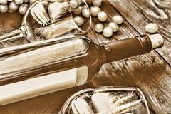 Immagine tonificata Bottiglia di vino bianco thanksgiving Fotografia Stock Libera da Diritti