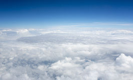 Immagini di alta risoluzione dei clounds e del cielo blu Fotografia Stock