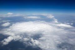 Immagini di alta risoluzione dei clounds e del cielo blu Fotografie Stock