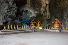 Immagini di Buddha in caverna di Khao Luang, provincia di Phetchaburi, Tailandia Fotografia Stock