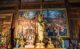 Immagini di Buddha sull'altare Fotografia Stock