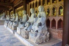 Immagini di Buddha in tempio di Bai Dinh Fotografia Stock Libera da Diritti