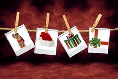 Immagini di natale di festa: Cappello, regali e 'chi' della Santa Immagini Stock