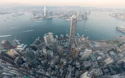Immagini di panorama del punto di vista di Hong Kong Cityscape dal cielo immagini stock libere da diritti