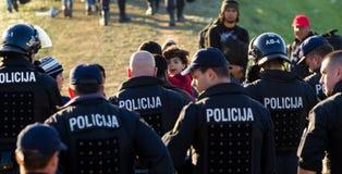 Immagini drammatiche dalla crisi slovena del rifugiato Immagine Stock