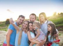 Immagini felici di selfi degli amici alla spiaggia Immagini Stock Libere da Diritti