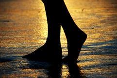 Immersione delle vostre dita del piede Fotografie Stock