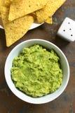 Immersione o guacamole dell'avocado Fotografie Stock Libere da Diritti