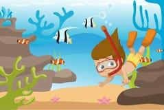 Immersione subacquea del bambino sotto l'oceano Fotografia Stock Libera da Diritti