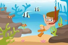 Immersione subacquea del bambino sotto l'oceano Fotografie Stock