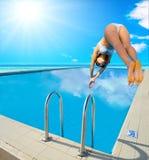 Immersione subacquea della ragazza fotografia stock