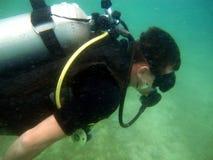 Immersione subacquea subacquea dell'operatore subacqueo Fotografie Stock Libere da Diritti