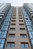 Immeuble ayant beaucoup d'étages à plusiers étages Photos stock
