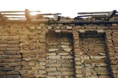 Immeuble de brique d'abandon Photographie stock libre de droits