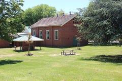 Immeuble de brique rouge Image libre de droits