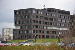 Immeuble de bureaux Photographie stock libre de droits