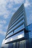 Immeuble de bureaux - angle faible Photos stock