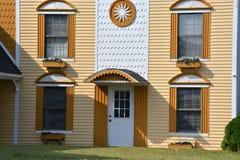 Immeuble de bureaux coloré photo stock