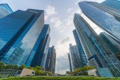 Immeuble de bureaux contemporain d'architecture dans la ville, Perspecti Photographie stock libre de droits
