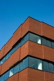 Immeuble de bureaux de brique Photo stock