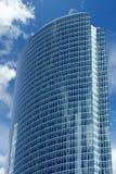 Immeuble de bureaux de façade en verre d'hublot Images libres de droits