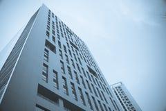 Immeuble de bureaux de ville Photos stock