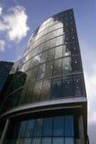 Immeuble de bureaux du sud de côté Image libre de droits